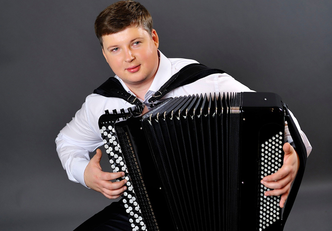 v-alexander-hrustevich