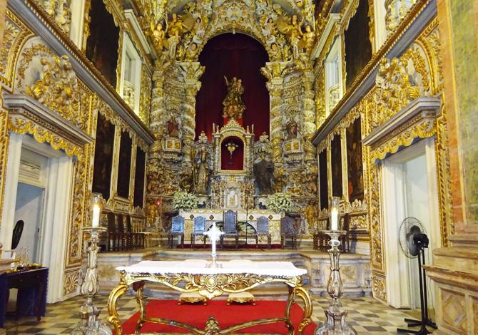 presbiterio-altar-mor-madre-deus