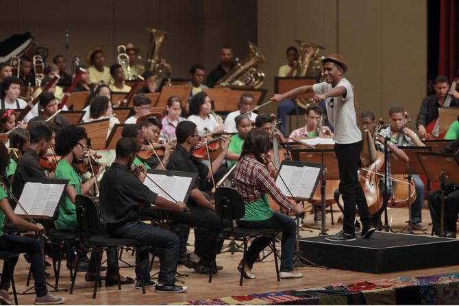 Programa Arte, Cultura e Lazer leva jovens ao Concerto Didático da Orquestra Juvenil Neojibá. Foto: Carla Ornelas/GOVBA