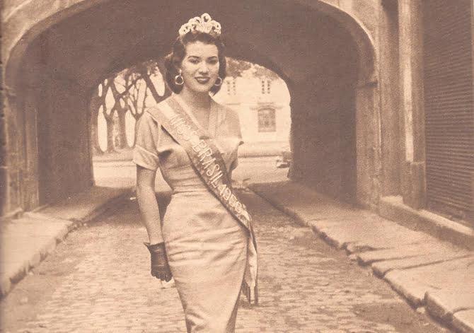 b-56-maria-jose-natravessa-do-comercio-ruamoroucarmenmiranda-cruzeiro30jun 1956