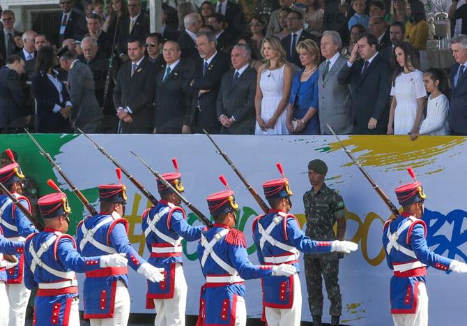Brasília - O presidente Michel Temer e a primeira-dama Marcela Temer durante desfile de 7 de Setembro, na Esplanada dos Ministérios (Wilson Dias/Agência Brasil)