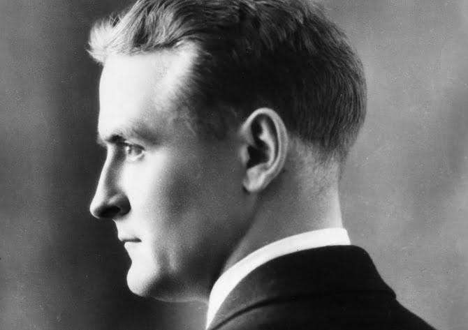circa 1925: Profile studio headshot portrait of American writer F Scott Fitzgerald (1896 - 1940). (Photo by Hulton Archive/Getty Images)