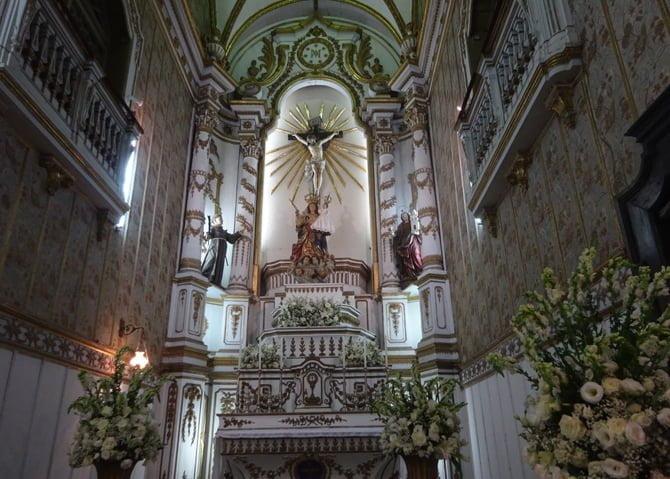 y-altar3